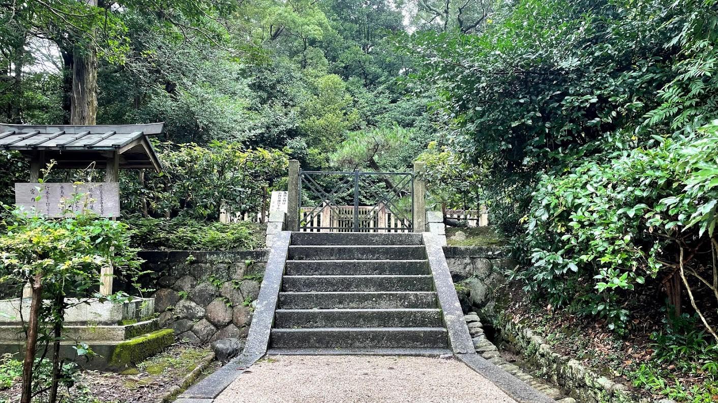 今年のお盆はご先祖様と日本神話最強の英雄にお墓参り